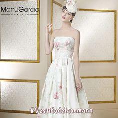 ¡Nuestro vestido de novia más primaveral! #HolaPrimavera #ManuGarcia