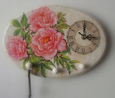 Decoupage U Edyty . Unusual Clocks, Cool Clocks, One Stroke Painting, Pottery Techniques, Diy Clock, Decoupage Vintage, Altered Art, Projects To Try, Arts And Crafts