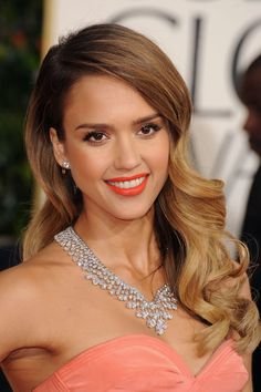 Jessica Alba at the 2013 Golden Globe Awards, bold red lips