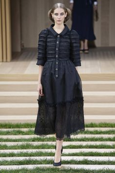 Chanel   Haute Couture - Spring 2016   Look 1