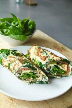 Spinazie-omelet met zalm en roomkaas - Beaufood - Spinazie-omelet met zalm en roomkaas , Lunchen zonder brood, Glutenvrije lunch recepten, Beaufood r - Healthy Food Blogs, Healthy Snacks, Healthy Eating, Healthy Recipes, Lunch Snacks, Lunch Recipes, Cooking Recipes, I Love Food, Good Food