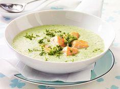 Unser beliebtes Rezept für Kalte Joghurt-Gurkensuppe mit Lachs und mehr als 55.000 weitere kostenlose Rezepte auf LECKER.de.