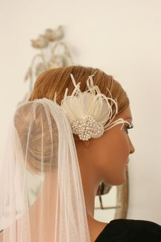 veil: something similar with a nice flower piece?