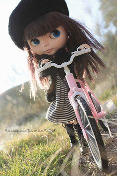 Paseo en bici by AscLëPia, via Flickr