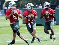 New York Jets quarterbacks Mark Sanchez Greg McElroy and Geno Smith drop back to pass during NFL football minicamp Tuesday, June Geno Smith, Mark Sanchez, Jets Football, New York Jets, Athletics, Ronald Mcdonald, Tuesday, June, Drop