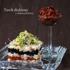Torcik Śledziowy by Lepszy Smak Polish Recipes, Appetisers, Fish And Seafood, Starters, Food And Drink, Pudding, Menu, Favorite Recipes, Drinks