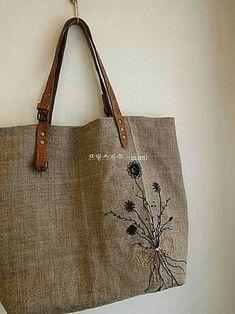 Burlap Bags, Hessian, Japanese Bag, Diy Bags Purses, Embroidery Bags, Linen Bag, Fabric Bags, Cotton Bag, Handmade Bags
