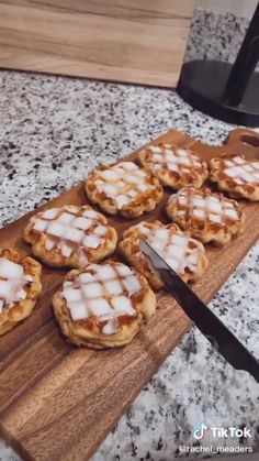 Easy Desserts, Delicious Desserts, Dessert Recipes, Yummy Food, Fun Baking Recipes, Sweet Recipes, Cooking Recipes, Visit Website, Videos Of Food