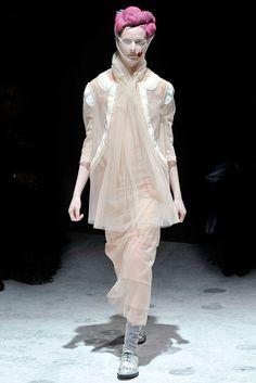 Comme des Garçons Fall 2009 Ready-to-Wear Fashion Show - Daria Strokous (Women)