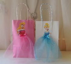 10 Pieces Disney Princess Birthday Goody by rizastouchofflair imagenes 10 Pieces Disney Princess Birthday Goody Favor Glitter Tutu Bags Thank You Tags Cinderella Belle Rapunzel Ariel Little Mermaid Aurora Disney Princess Birthday Party, Cinderella Birthday, Princess Theme, Princess Gifts, Birthday Party Decorations, Party Themes, Birthday Parties, Party Ideas, Party Centerpieces