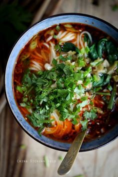 Chongqing Noodles – China Sichuan Food I like tha Asian Noodle Recipes, Spicy Recipes, Asian Recipes, Soup Recipes, Vegetarian Recipes, Asia Food, Asian Soup, Chongqing, Hot Pot