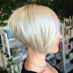 Stacked Sleek White Blonde Bob - 100 Mind-Blowing Short Hairstyles for Fine Hair - The Trending Hairstyle - Page 39 Short Stacked Bob Haircuts, Best Bob Haircuts, Bob Haircuts For Women, Choppy Bob Hairstyles, Bob Hairstyles For Fine Hair, Short Hair Cuts, Short Hair Styles, Short Stacked Bobs, Angled Bobs