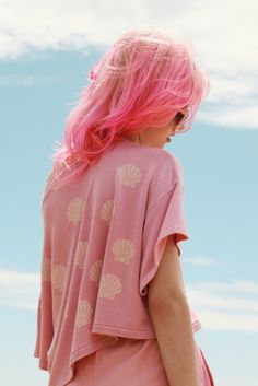 bright pink hair color