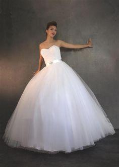 Robe de mariée PRINCESSE volumineuse jupe en tulle et bustier COEUR en tulle plissé Robes de mariées Robes de mariée à Marseille - Nathalie Elbaz-Cleuet
