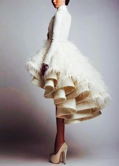 I would get married in this - HB Ashi Studio For the encore fashionista bride Ohh Couture, Style Couture, Couture Fashion, Gowns Couture, Dress Fashion, Beauty And Fashion, Passion For Fashion, High Fashion, Fashion 2014