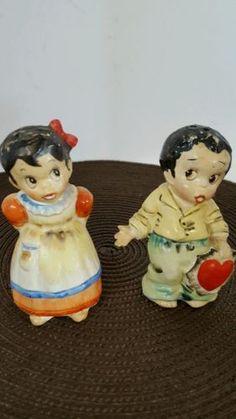 Vtg-SHAFFORD-Japan-Girl-Boy-VALENTINE-Heart-Salt-Pepper-Shakers-BLACK-AMERICANA