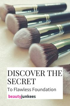and it's not your makeup. If you've been looking for the right tool to get flawless foundation, the Beauty Junkees Flat Top Kabuki Make Best Foundation Brush, Flawless Foundation Application, Foundation Tips, Eyeliner Application, Perfect Foundation, Korean Makeup Tips, Eye Makeup Tips, Makeup Tools, Clean Makeup