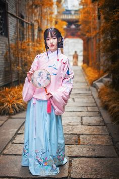 Traditional Chinese hanfu. Type: qiyao ruqun(waist-high ruqun), jiaoling…
