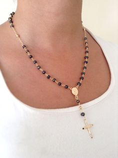 Black Pearl Necklace Gold Rosary Necklace Black Freshwater pearl Rosary Gold cross necklace black pearl Pendant Rosary Necklace cuxifix