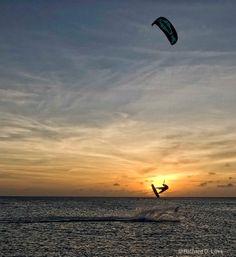 Kitesurfing in Aruba at Sunset - ID: 7886870 © Richard D Love