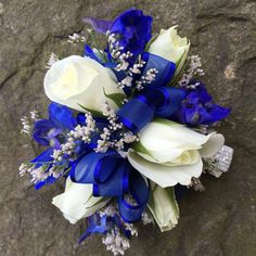 White spray rose with royal blue prom corsage royal blue hoco dress / royal blue party dress / blue gown royal / white and royal blue wedding / blue dress royal Crosage Prom, Homecoming Flowers, Homecoming Corsage, Prom Flowers, Blue And White Roses, White Spray Roses, Royal Blue Flowers, Prom Bouquet, Prom Corsage And Boutonniere