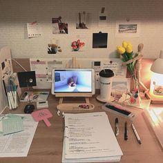 Study Room Decor, Bedroom Decor, Study Corner, Study Desk Organization, Desk Inspiration, Study Space, Desk Space, Aesthetic Room Decor, Study Motivation