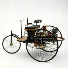 ドイツのカール・ベンツが、世界で最初に作ったガソリン自動車の「パテント・モトール・ヴァーゲン」