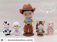 Diy Xmas Gifts, Baby Shoes Pattern, Sewing Stuffed Animals, Farm Party, Felt Patterns, Cute Images, Felt Toys, Felt Animals, Fett