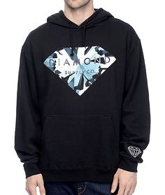 Bring style back to your layered looks with the Diamond Supply Co. Simplicity Brilliant Black Hoodie. The hoodie is designed with a screen print chest graphic as well as a logo graphic on the left sleeve. A comfortable plush hoodie made from a premium cot