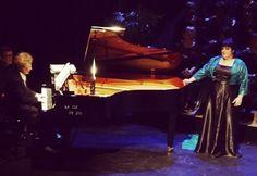 Już niebawem, bo 15 sierpnia finałowy koncert III Karpackiego Festiwalu - Wieczór z Gwiazdami. W programie największe arie operowe świata w wykonaniu: Isabell Ange (sopran), której towarzyszył będzie kunszt akompaniatorski Serge'a Paloyana (pianista). Zapraszamy na koncert jak również do skorzystania z wyjątkowego pakietu jaki przygotowaliśmy dla Państwa. Więcej informacji na http://www.dworkombornia.pl/pl/oferty/1328-sierpniowy-wieczor-z-gwiazdami-w-dworze-kombornia