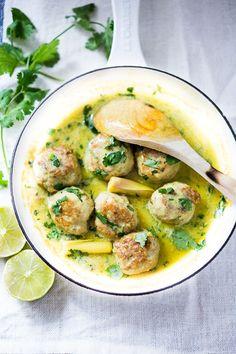 Flavorful Thai Turkey Meatballs with Lemongrass Coconut Sauce -Low carb, Paleo & GF | www.feastingathome.com