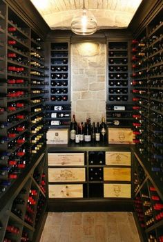 In-house wine room for all your favorites and collectibles Cava para casa Wine Cellar Basement, Wine Cellar Racks, Caves, Barris, Home Wine Cellars, Wine Cellar Design, Wine Wall, Italian Wine, Deco Design