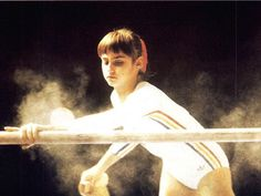 Dinge en Goete (Things and Stuff): This Day in History: Jul Nadia Comăneci - first person in Olympic Games history to score a perfect 10 Olympic Badminton, Olympic Games Sports, Olympic Athletes, Gymnastics Workout, Sport Gymnastics, Olympic Gymnastics, Gymnastics Problems, Tumbling Gymnastics, Nadia Comaneci 1976