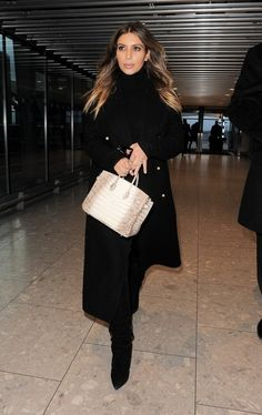 Kim Kardashian Photos - Kim Kardashian Departs Heathrow Airport - Zimbio