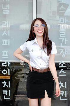 Cute Asian Girls, Cute Girls, A Line Skirts, Mini Skirts, University Girl, Girl Senior Pictures, Military Girl, Student Fashion, Girls Uniforms