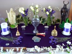 Midsummer Altar 01, pagan or Wiccan, beautifully laid out on starkly simple cloths.