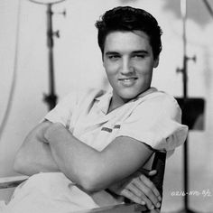 Elvis. Beautiful voice, beautiful smile.