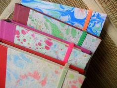 """""""Marmolados"""" papel reciclado artesanal https://www.facebook.com/pages/AmorAmarelo/226944510789046"""