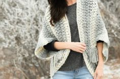 1-lion-brand-scarfie-easy-blanket-sweater-pattern-grey-4