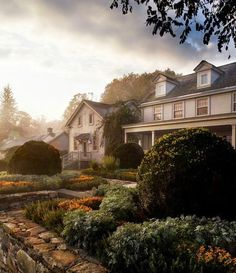 Martha Stewart's move to Bedford, New York, an upscale hamlet in Westchester County, took place over a period of two years while her new pro...