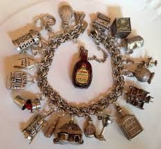 vintage charms - Google Search Vintage Charm Bracelet, Silver Charm Bracelet, Silver Charms, Charm Bracelets, Bracelet Charms, Old Jewelry, Charm Jewelry, Jewelry Ideas, Cheap Whisky
