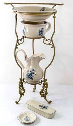 Pitcher and basin sets on pinterest water pitchers wash - Pot de chambre antique ...