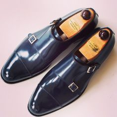 The Vass Double Monkstrap in the F last in Navy blue Calf leather.  I Ascot Shoes is a British based shop specialising in hand made Vass Shoes.  Email Sammy for advice on Sizing, Fitting & Made To Order Prices.    Ascotshoes@