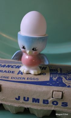 I have had requests from two ladies to share my collection of egg cups. Vintage Egg Cups, Vintage Easter, Bluebird Vintage, Cute Egg, Egg Coddler, Vintage Love, Vintage Items, Kitsch, Bluebirds