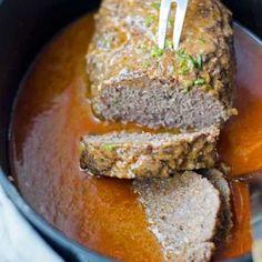juicy and delicious meatloaf. Leckerer Hackbraten. Saftig und würzig, mit leckerer Sauce. Recipe also in english! www.einepriselecker.de