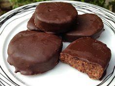 2018 - 10:21 μ.μ. Φαίνεται υπέροχη η συνταγή αλλά δυστυχως δεν είναι Βίγκαν!!! Τα μπισκότα McVities Digestive περιέχουν