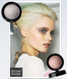 Bronze & Silver ••• Bronce & Plata Blush, Eyeshadow, Beauty, Bronze, Silver, Rouge, Brushes, Cosmetology, Eye Shadows