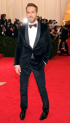 Swoon! Ryan Reynolds wore a blue velvet tuxedo by Gucci to the 2014 Met Gala