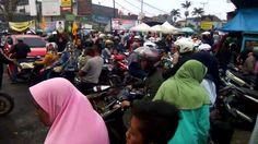 Lalin Macet Di Jalan Sesko AU - Kayuambon Lembang