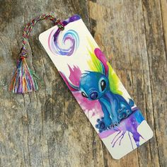 Bookmark-Stitch from Katy Lipscomb Creative Bookmarks, Paper Bookmarks, Cadeau Disney, Lilo Et Stitch, Nerd Decor, Bookmark Craft, Book Sleeve, Book Markers, Stitch Book